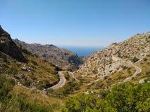 Τοπίο βουνών με το δρόμο στοκ εικόνες