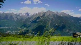 Τοπίο βουνών στα ελβετικά βουνά απόθεμα βίντεο