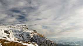 Τοπίο βουνών στο χειμώνα σε Carphatians Στοκ Εικόνα