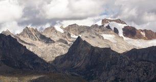 Τοπίο βουνών χιονιού στο οροπέδιο 04 Στοκ Φωτογραφία