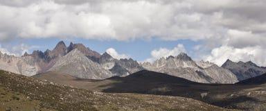 Τοπίο βουνών χιονιού στο οροπέδιο 05 Στοκ Εικόνες