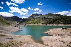 Τοπίο 2 βουνών Στοκ φωτογραφία με δικαίωμα ελεύθερης χρήσης