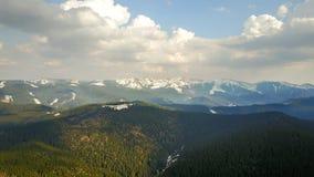 Τοπίο γύρου βουνών, εναέρια άποψη Στοκ φωτογραφία με δικαίωμα ελεύθερης χρήσης