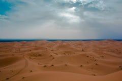 Τοπίο ερήμων του Μαρόκου κατάλληλο για τα υπόβαθρα και τη διαφήμιση στοκ εικόνα με δικαίωμα ελεύθερης χρήσης