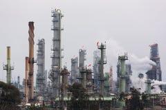 Τοπίο εργοστασίου πετροχημικών Στοκ εικόνα με δικαίωμα ελεύθερης χρήσης