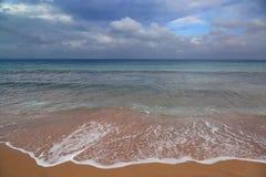 Τοπίο θάλασσας με τον ευμετάβλητο ουρανό Στοκ Εικόνα