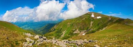 Τοπίο θερινών βουνών στοκ εικόνες