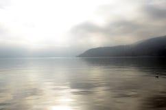 Τοπίο λιμνών του Annecy στη Γαλλία Στοκ εικόνες με δικαίωμα ελεύθερης χρήσης