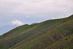 Τοπίο και ηφαίστειο Ararat βουνών _ Στοκ φωτογραφίες με δικαίωμα ελεύθερης χρήσης