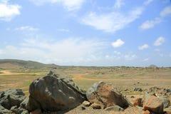 τοπίο και μπλε ουρανός ερήμων πετρών Στοκ Φωτογραφίες