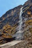 Τοπίο καταρρακτών βουνών στο Ιμαλάια, διαδρομή στρατόπεδων βάσεων Annapurna Στοκ Εικόνες