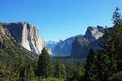 Τοπίο κοιλάδων Yosemite σε Καλιφόρνια ΗΠΑ Στοκ εικόνα με δικαίωμα ελεύθερης χρήσης