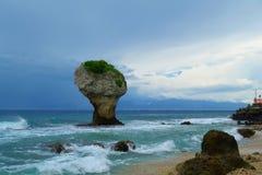Τοπίο λίγου Liuqiu, βράχος βάζων στο νησί Liuqiu, Pingtung, Ταϊβάν στοκ φωτογραφία
