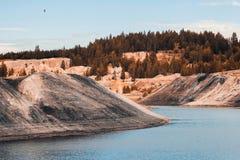 Τοπίο Λατομείο αργίλου για την εξαγωγή του αργίλου Στοκ εικόνα με δικαίωμα ελεύθερης χρήσης