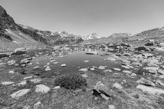 Τοπίο με μια λίμνη στην περιοχή Ordina Arcalis στη Ανδόρα Στοκ εικόνα με δικαίωμα ελεύθερης χρήσης