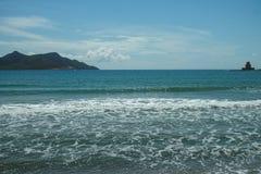 Τοπίο με τα μικρούς ελληνικούς νησιά και τους κόλπους στην Πελοπόννησο, Ελλάδα κοντά στην πόλη Nafplio, προορισμός θερινών διακοπ στοκ φωτογραφίες με δικαίωμα ελεύθερης χρήσης