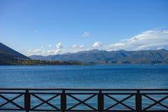 Τοπίο με τα μικρούς ελληνικούς νησιά και τους κόλπους στην Πελοπόννησο, Ελλάδα κοντά στην πόλη Arkadiko, προορισμός θερινών διακο στοκ εικόνες με δικαίωμα ελεύθερης χρήσης
