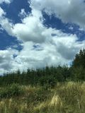 Τοπίο με τα σύννεφα Στοκ εικόνα με δικαίωμα ελεύθερης χρήσης