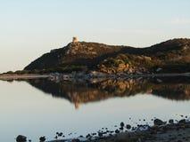 Τοπίο με την αντανάκλαση νερού, Σαρδηνία στοκ εικόνα με δικαίωμα ελεύθερης χρήσης