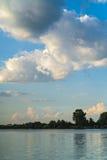 Τοπίο με τη λίμνη Buftea κοντά στο Βουκουρέστι στοκ εικόνες με δικαίωμα ελεύθερης χρήσης