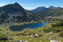 Τοπίο με τις λίμνες Chairski, βουνό Pirin, Βουλγαρία στοκ εικόνα με δικαίωμα ελεύθερης χρήσης
