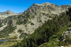 Τοπίο με τις chukar λίμνες αιχμών και Prevalski Valyavishki, βουνό Pirin, Βουλγαρία στοκ εικόνες με δικαίωμα ελεύθερης χρήσης