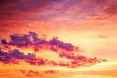 Τοπίο με τον ουρανό, τα σύννεφα και την ανατολή στοκ φωτογραφία με δικαίωμα ελεύθερης χρήσης