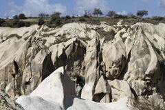 Τοπίο με τους βράχους σε Kappadokia, Τουρκία Στοκ Φωτογραφία