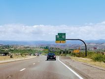 Τοπίο με το δρόμο στην Αριζόνα ΗΠΑ στοκ φωτογραφίες