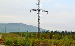 Τοπίο με το ηλεκτροφόρο καλώδιο Στοκ φωτογραφία με δικαίωμα ελεύθερης χρήσης