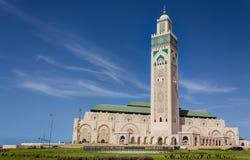 Τοπίο με το Χασάν ΙΙ μουσουλμανικό τέμενος σε έναν μπλε ουρανό στοκ εικόνες