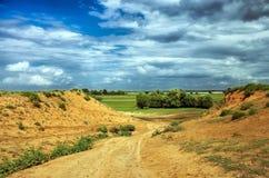 Τοπίο με το χώμα αργίλου λόφων στοκ εικόνες με δικαίωμα ελεύθερης χρήσης