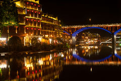 Τοπίο νύχτας της κωμόπολης του Phoenix (αρχαία πόλη Fenghuang) Στοκ Φωτογραφία