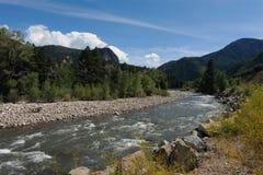 Τοπίο οδικού ταξιδιού ποταμών κρυστάλλου γύρω από το κρύσταλλο και το μάρμαρο της Aspen Carbondale για τους προορισμούς του Κολορ Στοκ Εικόνες