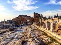 Τοπίο οδών Hierapolis Pamukkale, Τουρκία Στοκ εικόνες με δικαίωμα ελεύθερης χρήσης