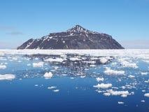 Τοπίο παγόβουνων της Ανταρκτικής Στοκ Φωτογραφίες