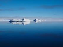 Τοπίο παγόβουνων της Ανταρκτικής Στοκ Φωτογραφία