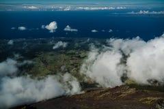 Τοπίο πανοράματος από την κορυφή του ηφαιστείου Pico στην πεζοπορία, Αζόρες, Πορτογαλία Στοκ εικόνα με δικαίωμα ελεύθερης χρήσης