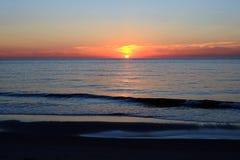 Τοπίο παραλιών και θάλασσας από τον ουρανό ηλιοβασιλέματος Στοκ φωτογραφία με δικαίωμα ελεύθερης χρήσης