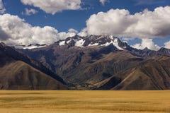 Τοπίο Περού σειράς βουνών Στοκ Φωτογραφίες