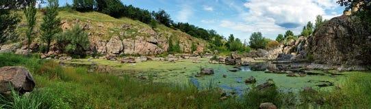 Τοπίο, ποταμός, δασικό πανόραμα Στοκ Εικόνες
