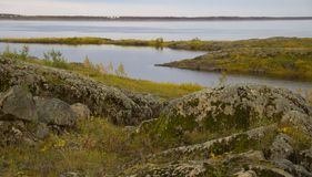 Τοπίο ποταμών φθινοπώρου στοκ φωτογραφίες