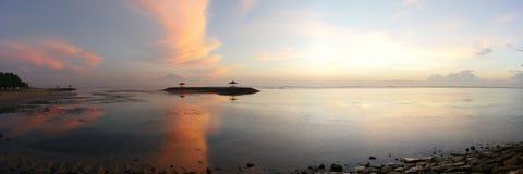 Τοπίο πρωινού της παραλίας Sanur, Μπαλί Στοκ εικόνες με δικαίωμα ελεύθερης χρήσης