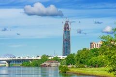 Τοπίο πόλεων με τα σύννεφα Στοκ φωτογραφίες με δικαίωμα ελεύθερης χρήσης