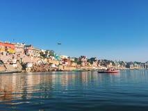 Τοπίο πόλεων του Varanasi - δείτε από τον ποταμό Ganga, Ινδία, άποψη ποταμών πόλεων πρωινού Στοκ φωτογραφίες με δικαίωμα ελεύθερης χρήσης