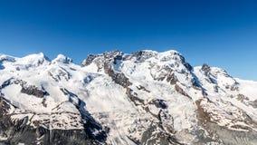 Τοπίο σειράς βουνών σε Matterhorn, Ελβετία Στοκ Εικόνες