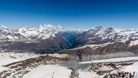 Τοπίο σειράς βουνών χιονιού στην περιοχή Άλπεων, Zermatt, Switzerla Στοκ εικόνα με δικαίωμα ελεύθερης χρήσης