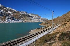 Τοπίο στο πέρασμα βουνών Bernina Στοκ εικόνα με δικαίωμα ελεύθερης χρήσης