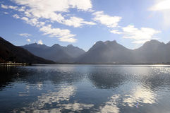 Τοπίο της λίμνης του Annecy στη Γαλλία Στοκ Φωτογραφίες