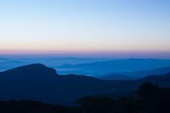 Τοπίο της ανατολής και του βουνού στοκ εικόνες